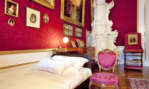 Hofburg Wien Kaiserappartements Schlafzimmer Franz Joseph I (c) SKB Foto L. Lammerhuber Schloß Schönbrunn Kultur Und BetriebsgesmbH