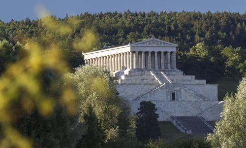 Walhalla-Blick-von-der-Donauseite(c)Stefan-Gruber