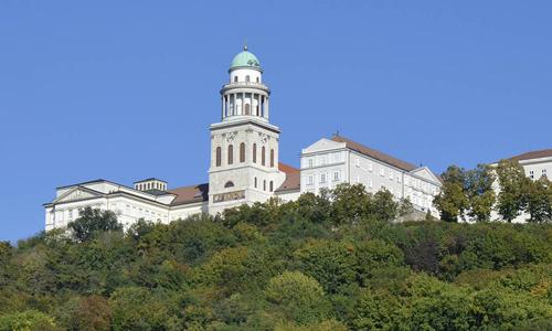 Pannonhalma (c) Ungarisches Tourismusamt
