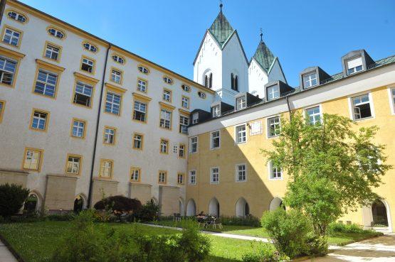 Kloster NiKloster Niedernburg Passauedernburg Passau