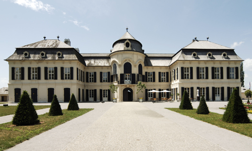 Schloss Niederweiden (c) Donau Niederösterreich Steve Haider