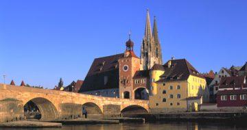 Regensburg Steinerne Brücke © Straße der Kaiser und Könige