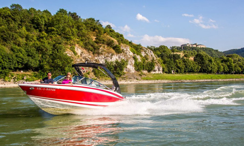 Bratislava Tourismus Speedboat