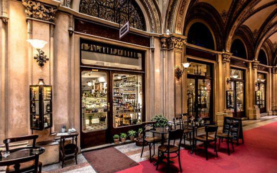 Kaffeehaus Wien © J. Peter