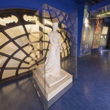 Sisi Museum - Elisabeth Statue